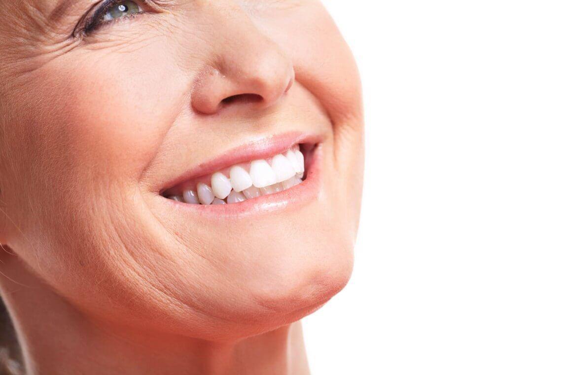 Dientes postizos o dientes naturales