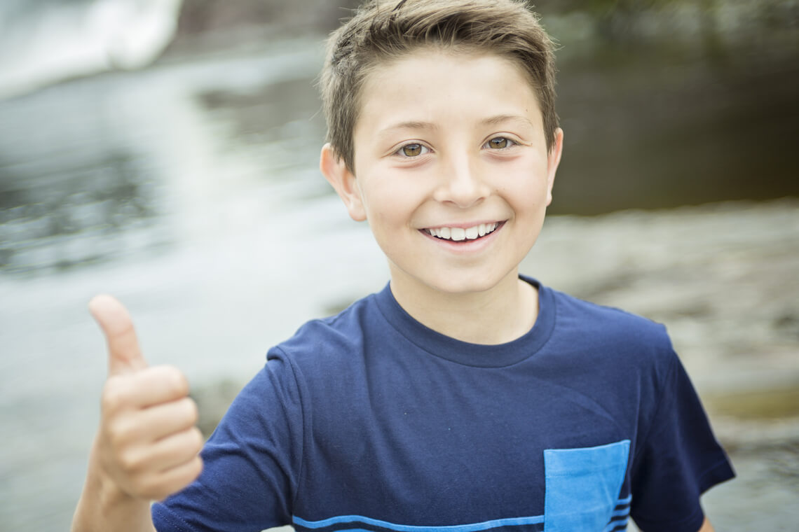 Revisar dientes niño 8 años